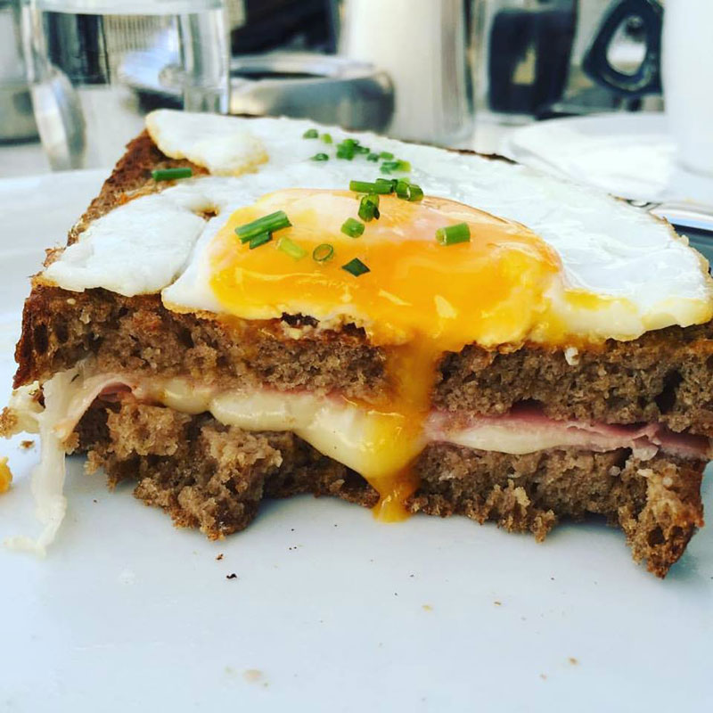 brunch sandwich